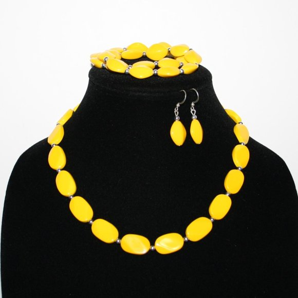 Vintagejelyfish Jewelry - Yellow necklace bracelet and earrings set
